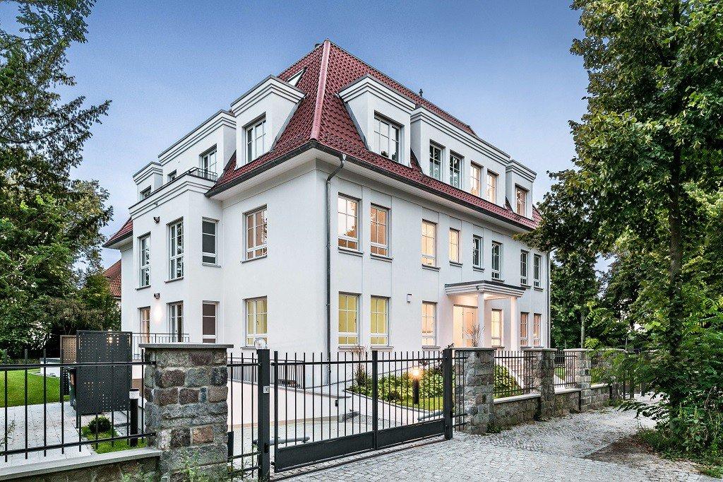 DEU, Deutschland, Berlin, 25.08.17, Immobilienobjekt: Warmbrunner Str. 11, 14193 Berlin, www.wohnbauten-berlin.de, 030-53797530, Dr. Georgi Projektentwicklung
