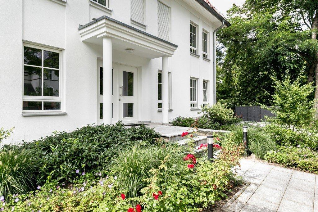 DEU, Deutschland, Berlin, 23.08.17, Immobilienobjekt: Prinz-Handjery-Str. 77, 14167 Berlin, www.wohnbauten-berlin.de, 030-53797530, Dr. Georgi Projektentwicklung